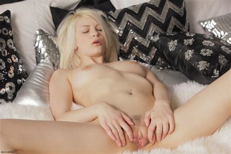 Pure Beauty Bree Daniels Masturbates Young Sexy Pussy Solo