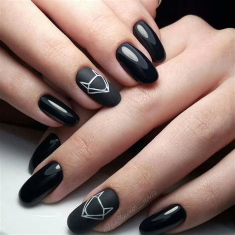 Маникюр черный с серебром идеи маникюра рисунок палитра лаков для ногтей и модные новинки