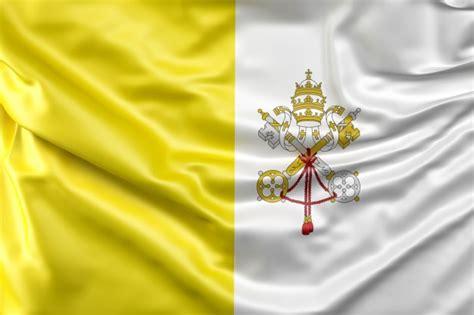 bandera de la ciudad del vaticano descargar fotos gratis