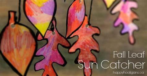 gorgeous fall leaf sun catcher craft  kids happy