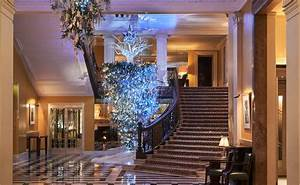 Claridge's unveils 2017 Christmas tree