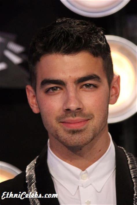 Joe Jonas - Ethnicity of Celebs   What Nationality ...