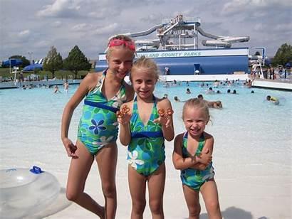 Waterpark Girlsnaked