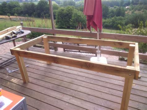 fabriquer une table de table de jardin a fabriquer