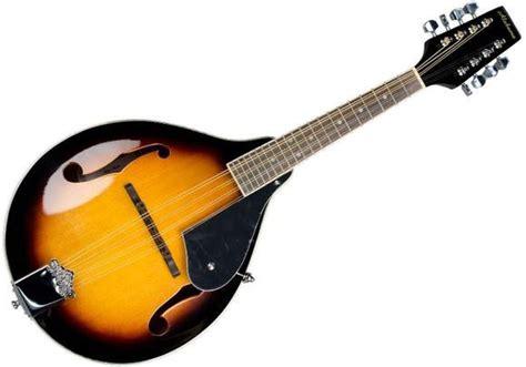 Pengertuan alat musik melodis ialah sebuah alat musik yang bisa membunyikan sebuah melodi dalam sebuah lantunan lagu. 15+ Contoh Alat Musik Melodis: Pengertian dan Cara Menggunakan
