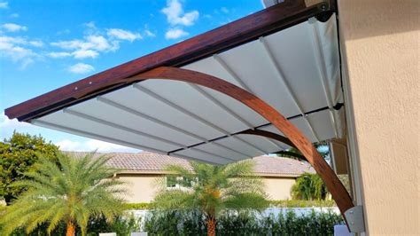 tips  maintain  retractable awnings  good condition sola shade