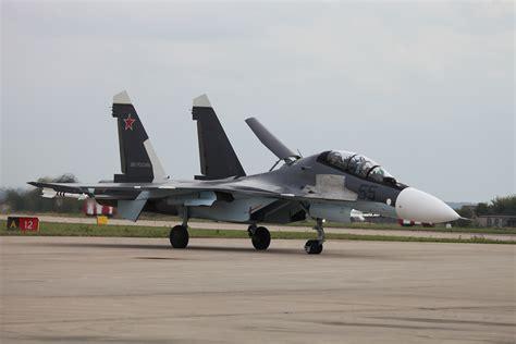 File:Su-30SM - MAKS-2013Firstpixflights10.jpg - Wikimedia ...