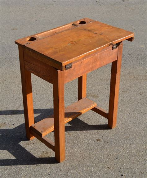 mobilier vintage pour enfants chaises tables coffres 224 jouets mobilier scolaire
