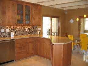 paint color ideas for kitchen with oak cabinets what color paint goes with medium oak cabinets home