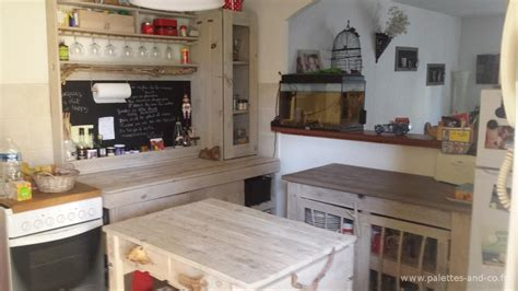 palette cuisine fabriquer une cuisine en bois meuble de cuisine en