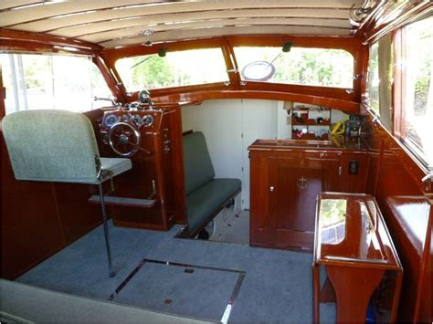 Xpress Boat Repair by Freedom Boat Service 1954 Chris Craft 31 Sedan Cruiser