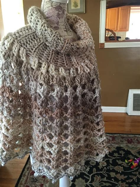 caron cakes yarn patterns images  pinterest