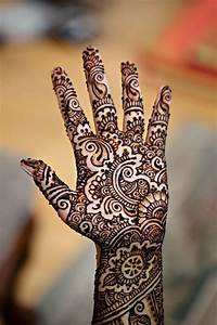 Beautiful gujarati henna mehandi designs for hands with ...