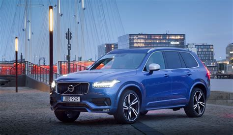 volvo xc  design  facelift   launched