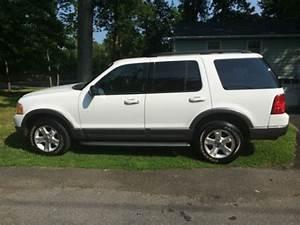 Find Used 2003 Ford Explorer 4 6l V8 Xlt White 3rd Row