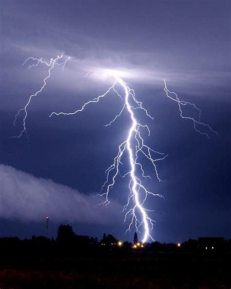 lightning bolt lightning strikes again pearl jam returns with lightning bolt karaoke cloud