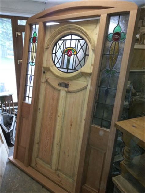 reclaimed oval door  miranti frame entranceway     regency antiques