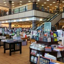 barnes and noble reno barnes noble booksellers 55 photos 78 reviews