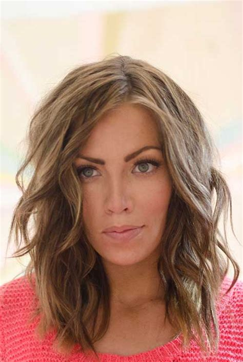 to medium hairstyles for wavy hair