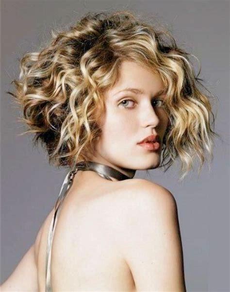 HD wallpapers short layered hairstyles for naturally curly hair
