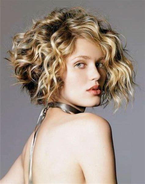 7 Simple Layered Bob Haircuts For Curly Hair Hair