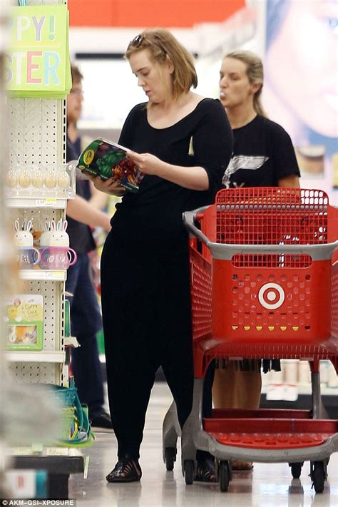 adele spotted   shopping hunt  target    multimillionaire daily mail