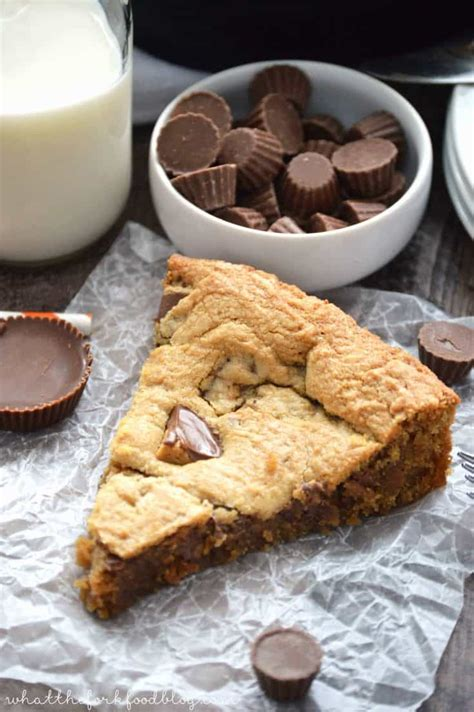 reeses peanut butter cup cookie pie pizookie