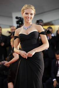 Scarlett Johansson engaged to French journalist - The Blade