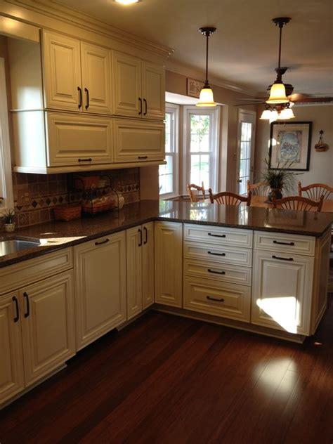 Shenandoah Cabinets by Shenandoah Mckinley Maple Glaze Traditional