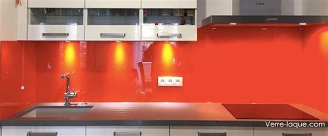 cuisine en orange verre laqué sur mesure couleurs au choix professionnel