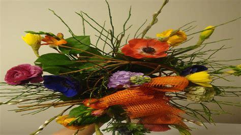Blumenstrauß Selber Binden Anleitung by Blumenstrau 223 Selber Binden Anleitung Fr 252 Hlingsdeko Mit