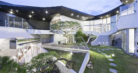 This Epic South Korean Mansion Blends Modern Lines With