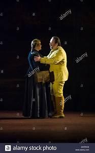 Welsh National Opera Production Carmen Stock Photos ...