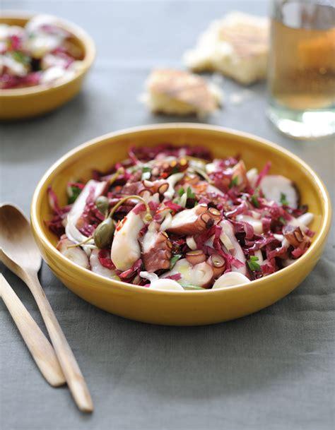 cuisiner tentacules de poulpe salade de poulpe pour 4 personnes recettes à table
