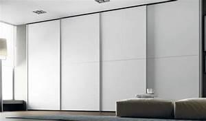Armoire Chambre Porte Coulissante : la porte coulissante 19 exemples de portes cools et lissantes ~ Teatrodelosmanantiales.com Idées de Décoration