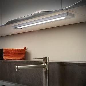 Einlegematten Für Küchenschränke : led unterbauleuchte in titanfarben mit 55cm f r k chenschr nke lampen led ~ Frokenaadalensverden.com Haus und Dekorationen