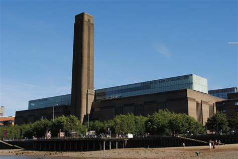 tate modern gallery in the tate museum by avatarwolfman on deviantart