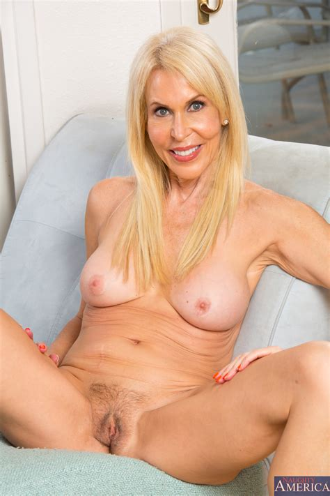 Blonde Milf With Hairy Pussy Wants Dick Photos Erica
