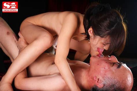 French Kissing Addiction Deep Kisses And Sex With Moe Amatsuka