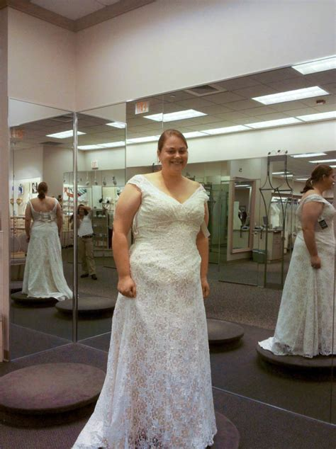 ultimate guide   size wedding dress shopping