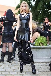 Verpackt In Latex : rubber latex fetish fashion lifestyle pinterest latex latex fashion and latex girls ~ Watch28wear.com Haus und Dekorationen