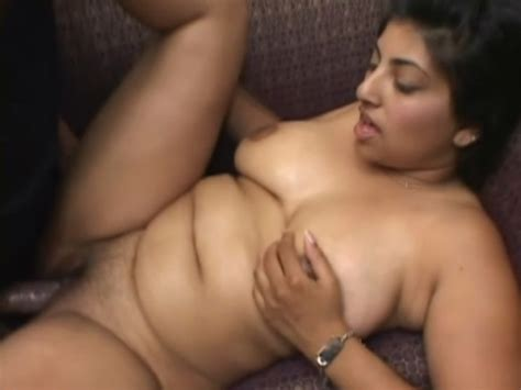 Very Hot Pregnant Brunette Chick Gets Her Wet Pussy Fucked