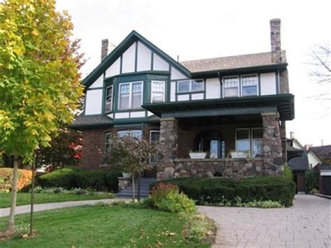 Kitchener Waterloo Symphony by Queens Landing Guest House B Amp B Guesthouse Reviews Deals
