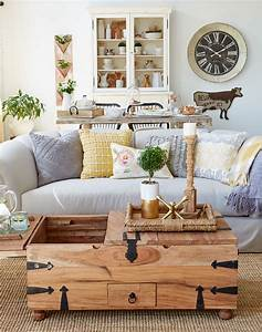 How to Decorate a Transitional Living Space