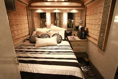 17 Best Images About Tour Buses On Pinterest Willie