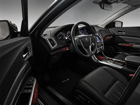 2015 acura tlx is a right sized luxury sedan that combines
