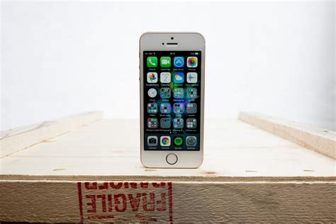Apple Iphone Se Handson Small Phone, Huge Potential 15