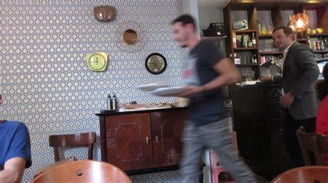 des gar輟ns dans la cuisine les meilleurs bistrots parisiens l 39 express styles