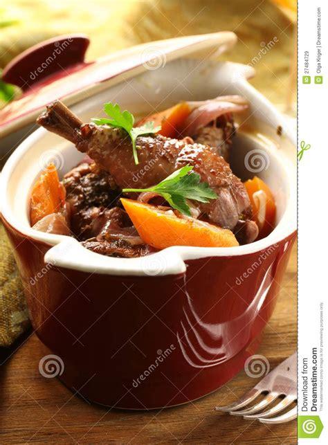cuisine traditionnelle fran軋ise cuisine fran 231 aise traditionnelle poulet en vin images