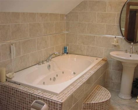 White And Beige Bathrooms, Bathroom With Mosaic Tile Ideas
